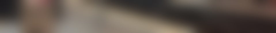 Large background photo of Gleis 10/11