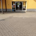kelly-chanel-51076838