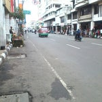 Photo taken at Jalan Otto Iskandardinata by Vabrieck B. on 1/22/2014