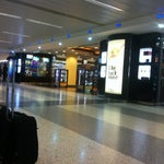 30' free wifi/ great value for money at the duty free shops/ entire non-smoking area