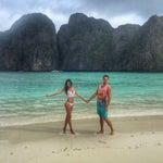 Всем привет!🇷🇺 Если вы впервые отдыхаете в Тайланде дикарем, рекомендую остановится на архипелаге Phi Phi! До самых живописных пляжей 5-15 минут на катере + американские серферские тусы каждый день