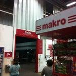 Photo taken at Makro by Fabricio on 1/11/2013