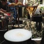 Foto scattata a Dolce&Gabbana Martini Bar da Yulia R. il 6/22/2013