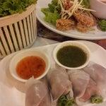 Photo taken at Joe Restaurant (โจเรส) by Rachataporn S. on 5/29/2013