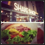 Photo taken at Shake Shack by Elrick E. on 9/2/2013