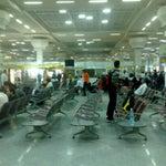یک فرودگاه کوچیک با بازرسی شدید، وضعیت پارکینگ بد