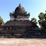 Photo taken at Wat Visuonnaradh by Tri B. on 12/20/2013