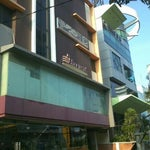 Photo taken at The Harvest - Patissier & Chocolatier by rachmat s. on 9/14/2011