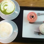 Photo taken at Goodovening Cupcake by Yura L. on 5/17/2012