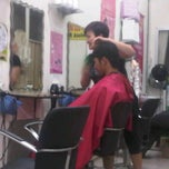 Photo taken at Fame City Hair & Beauty Saloon by Edogawa C. on 11/10/2011