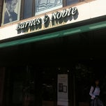 Photo taken at Barnes & Noble by emma t. on 8/17/2011
