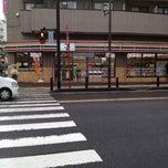 Photo taken at セブンイレブン 厚木中町店 by MAYUKI on 5/15/2012