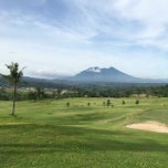 Photo taken at Sentul Highlands Golf Club by Citra P. on 12/17/2014
