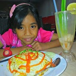 Photo taken at Restoran Bawang Merah by Nurasyima I. on 12/24/2012