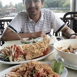Photo taken at Restoran Tasik Indah by misz S. on 6/7/2013