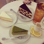 Photo taken at Lady M Cake Boutique by Daawnii on 4/10/2013