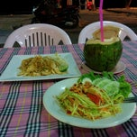 Photo taken at Wai Thai Restaurant by Serg P. on 8/24/2014