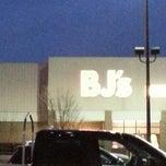 Photo taken at BJ's Wholesale Club by Lori R. on 1/31/2013