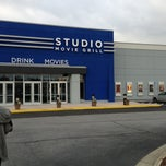Photo taken at Studio Movie Grill by Kenneth S. on 1/29/2013