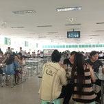Photo taken at บาร์ใหม่ โรงอาหารกลาง 1 (KU Cafeteria 1) by ananya a. on 8/3/2013