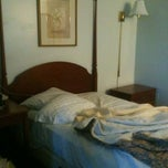 Photo taken at Americas Best Value Inn by Natalie G. on 9/21/2012