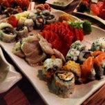 Foto tirada no(a) Hashi Sushi Bar por Henrique A. em 4/18/2013