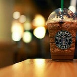 Photo taken at Starbucks by Ratna J. on 3/25/2013