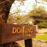 Photo taken at DoiTung Lodge (ดอยตุงลอด์จ) by Little W. on 9/15/2012
