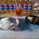 Photo taken at Pecel Lele H.Fadil by abimanyu on 2/11/2013