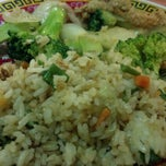 Photo taken at Buffet Chino El Nuevo Jade by Heinrich .. on 1/13/2013