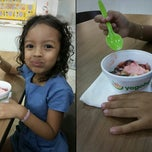 Photo taken at Yogoberry by Walace T. on 12/15/2013