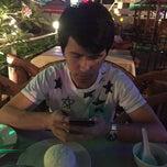 Photo taken at ป.กุ้งเผา หลักสี่ by NoOpEe jj P. on 5/9/2015