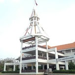 Photo taken at อาคารโดมบริหาร (Dome Administrative Building) by Nonnei on 10/13/2012