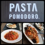 Photo taken at Pomodoro Cucina Italiana by Jen L. on 9/24/2012