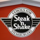 Photo taken at Steak 'n Shake by Carlos D. on 10/28/2012