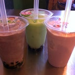 Photo taken at Got Tea by Myra C. on 9/23/2012