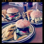 Photo taken at Denny's by Gisela N. on 9/21/2012