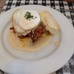 Photo taken at Napa Valley Biscuits by Manuel L. on 10/5/2013
