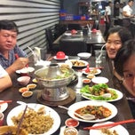 Photo taken at ทวีชัยโภชนา (Thaveechai Restaurant) by AouN~GroM on 2/7/2015