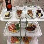 Photo taken at IKEA Restaurant & Café (อิเกีย ร้านอาหารและคาเฟ่) by Linly S. on 9/16/2012