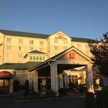 Photo taken at Hilton Garden Inn - Nicotra's Ballroom by Jethro A. on 10/22/2012