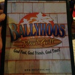 Photo taken at Ballyhoo's Island Sports Grill by Kenneth D. on 5/4/2013