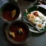 Photo taken at Asam Pedas Claypot by Dr S. on 9/28/2013