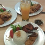 "Photo taken at Ayam Goreng Kalasan ""Muara Karang 179"" by Vivien J. on 7/2/2013"