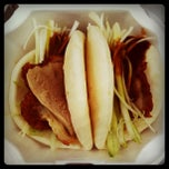 Photo taken at Peking Duck Sandwich Stall by CarbZombie J. on 4/9/2011