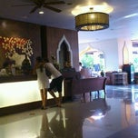 Photo taken at Aiyara Palace Hotel Pattaya by Anna K. on 12/19/2011