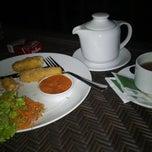 Photo taken at Restaurant Teluk Kupang by Ahmad I. on 10/1/2014