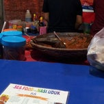 Photo taken at Sea food 88 by Hazmin Z. on 8/17/2014