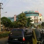 Photo taken at Pusat Grosir Surabaya (PGS) by Fi Hwang T. on 6/5/2013