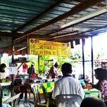 Photo taken at Warong Roti Canai Man Kedah by Saru Y. on 3/1/2013